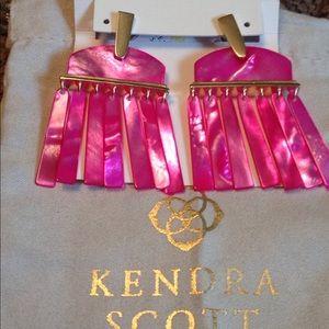 Kendra Scott LAYNE Magenta Pearl Earrings